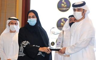 الصورة: جناحا «الشيخ زايد بن سلطان» و«أم الإمارات» يشاركان في «رياضة الإمارات في 50 عاماً»