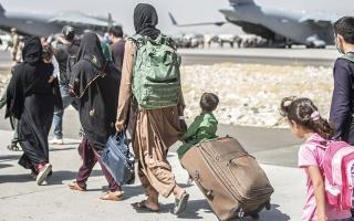 الصورة: باحث أميركي: الولايات المتحدة بحاجة إلى إعادة توطين اللاجئين الأفغان في دول أخرى