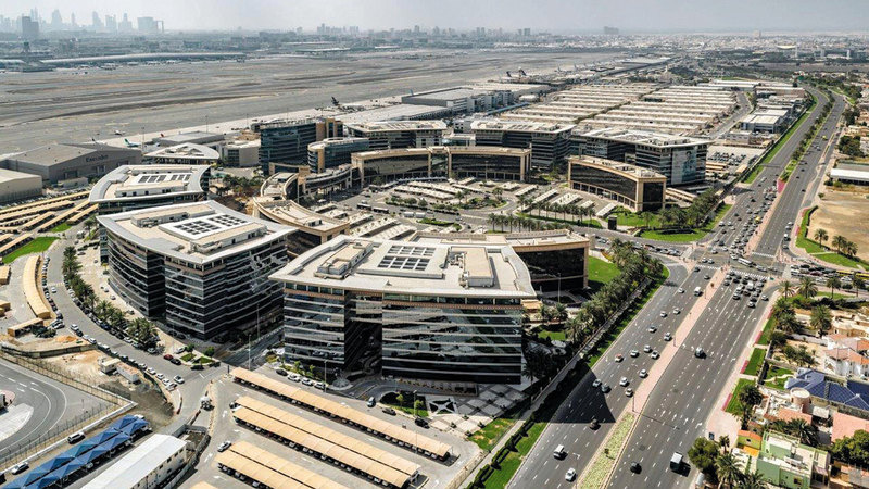 المنطقة الحُرّة في مطار دبي الدولي من المناطق التي تخضع لـ«سُلطة دبي للمناطق الاقتصادية المتكاملة».  من المصدر