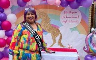 الصورة: هندية تنظم حفلا صاخبا في بريطانيا بمناسبة طلاقها
