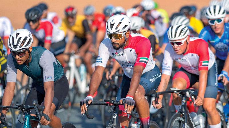 صورة أكثر من 200 دراج يتنافسون في سباق أم القيوين اليوم