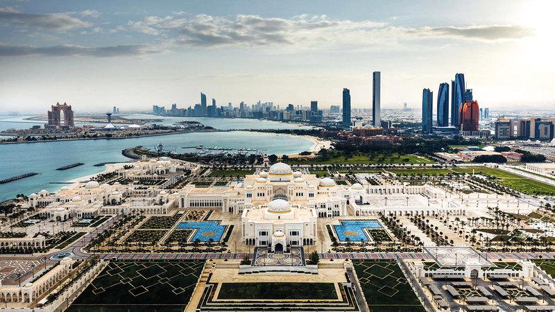 الإقامة الذهبية تفتح أمام حامليها عالماً واسعاً من الفرص وإمكانية الوصول إلى سوق إمارة أبوظبي.   أرشيفية