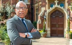 الصورة: صحافة عالمية.. اللورد وولي.. أول رجل أسود   على رأس كلية في جامعة كامبريدج