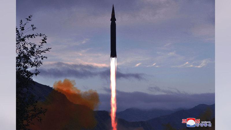 الصاروخ من طراز هواسونج -8 أثناء تجربته.    إي.بي.إيه