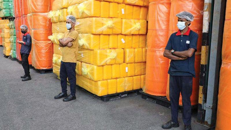 ارتفاع عدد إصابات «كورونا» أدى إلى تفاقم اضطرابات سلسلة التوريد العالمية.  من المصدر