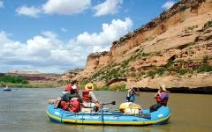 الصورة: نهر كولورادو يعاني نقص  المياه.. وعائلة ثرية تحاول إنقاذه