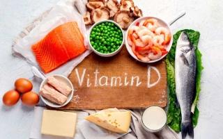 """الصورة: أعراض نقص """"فيتامين د"""" وأهم الأطعمة الغنية به"""