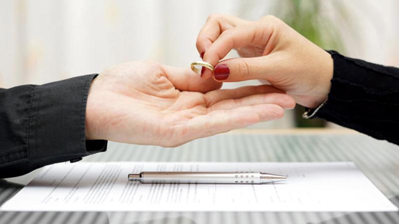 شهر يونيو سجل أعلى نسب طلاق منذ بداية العام.  أرشيفية