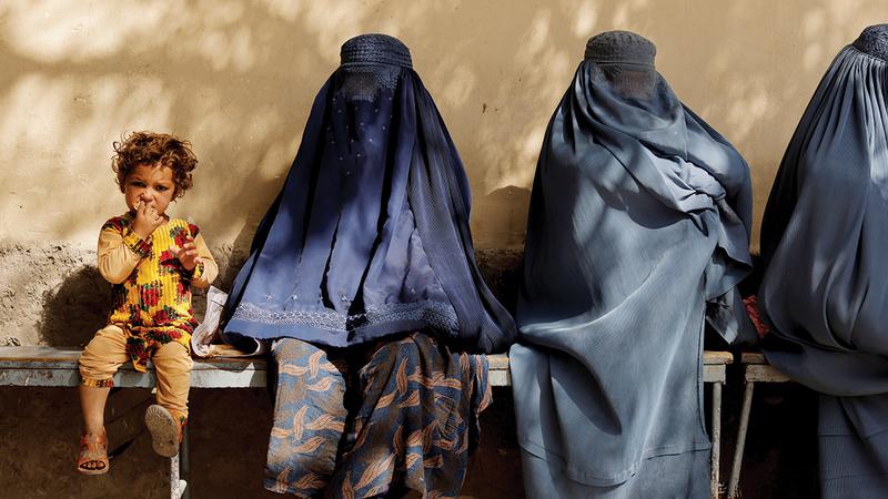 تمثيل المرأة في الحكومة الأفغانية غائب تماماً.  رويترز