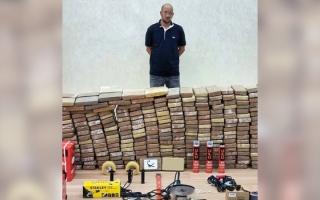 الصورة: شرطة دبي تضبط 500 كيلوغرام كوكايين في عملية «العقرب»