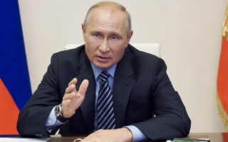 الصورة: بوتين: روسيا تدرس رفع طالبان من قائمتها للجماعات الإرهابية
