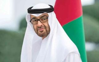 بحضور ملك البحرين .. محمد بن زايد يستقبل أعضاء فريق أبوظبي للزوارق السريعة