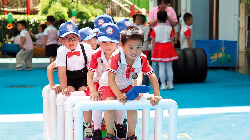 حضانة الأطفال باتت مشكلة تعكّر صفو كثير من العائلات الصينية.  من المصدر