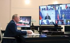 الصورة: بوتين يثير مخاوف مسؤوليه من إصابته بـ «كوفيد-19»