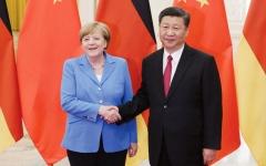 الصورة: ميركل تحصل على لقب «قدامى أصدقاء الصين»