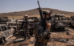الصورة: أفغانستان تتحول إلى سوق كبيرة للأسلحة الأميركية يرتادها تجار من الدول المجاورة