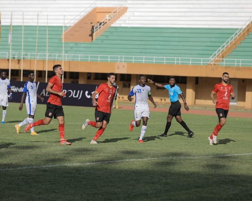 صورة الأهلي المصري يفرط في تقدمه ويتعادل مع بطل النيجر