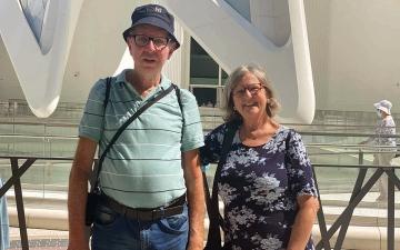 الصورة: زوجان برازيليان يستهلان تقاعدهما بزيارة «إكسبو»
