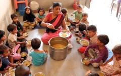 الصورة: الفقر والأمية يحرمان الملايين من الخدمات الرقمية في الهند