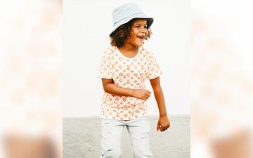 الصورة: طفلة إماراتية في الرابعة تغني لـ «إكسبو»: Going To Dubaia