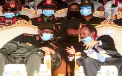 الصورة: البرهان يؤكد حرص الجيش والمكون المدني على إنجاح الفترة الانتقالية بالسودان
