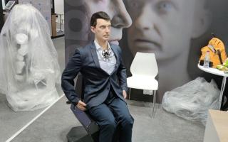 الصورة: «جيتكس 2021».. روبوتات ذكية للعناية بالأطفال.. وأخرى تحاكي البشر في خدمة المتعاملين