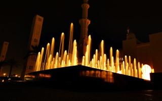 الصورة: جامع الشيخ زايد.. انعكاس الضوء