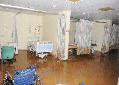 """وفاة 11 شخصاً جراء """"المنخفض الجوي المداري"""" في سلطنة عمان"""