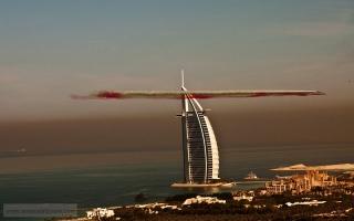 الصورة: استعراض جوي في سماء دبي
