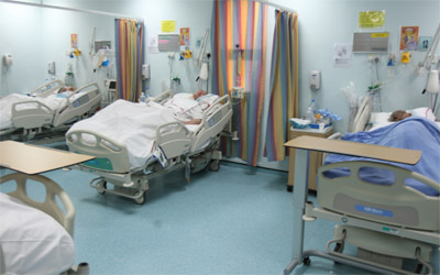 مستشفى راشد يواجه تكدساً في المرضى والمصابين   الإمارات اليوم