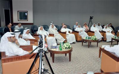 سيرة زايد فتحت أحاديث جمعت بين أجيال متباينة في ندوة الثقافة والعلوم. الإمارات اليوم