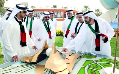 مجلس الوزراء اعتمد قراراً بتكليف وزارة الأشغال العامة والإسكان ببناء سارية كبيرة لعلم الإمارات في جميع إمارات الدولة. وام