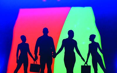 شعار مهرجان دبي للتسوق بظلال أعضاء الفرقة. من المصدر