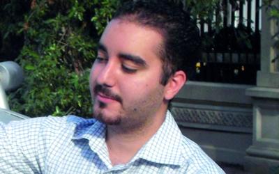 أحمد حسن.