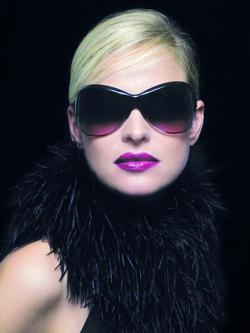 f1b850e9d شكل الوجه يحدّد النظارة الشمسية المناسبة - الإمارات اليوم