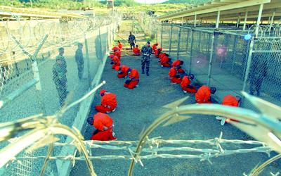 سجين في جوانتنامو ينتظر قرار محكمة ترحيل لبلاده بعد إصابته بالجنون