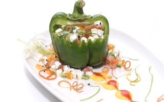 طبيق اليوم: سلطة الطماطم وجبنة الفيتا المقرمشة