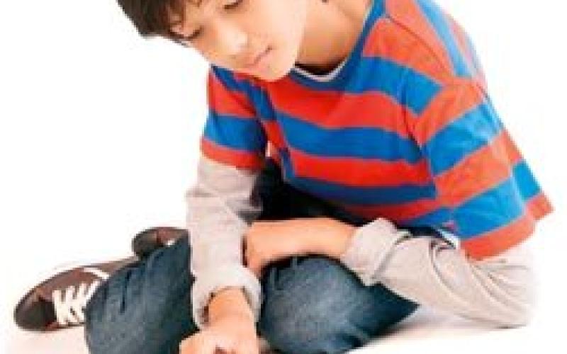 تقرير: الألعاب و«يوتيوب» يُسهمان في تراجع إقبال الأطفال على القراءة