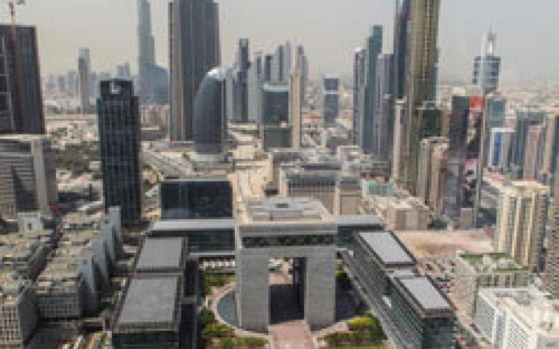 الصورة: مقومات الإمارات تضــمن مكـانتها بين أفضل 10 دول في نصيب الفرد مــن الدخل القومي