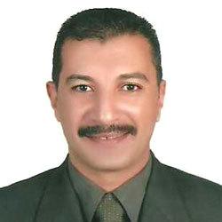 مدرب منتخب الملاكمة السيد حسن. الإمارات اليوم