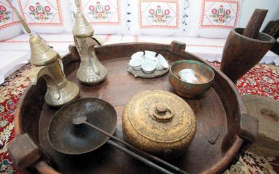 «متحف القهـــوة»..  احتفاء بالضيــافة العربية
