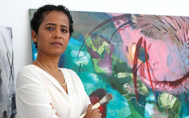 عائشة اختارت النحت لشغفها بالمادة الحسّية والأبعاد في العمل الفني.