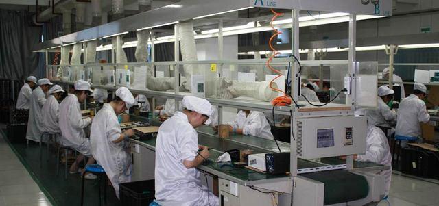 الصين تحاول حالياً اللحاق بمنافسيها العالميين والاعتماد بشكلٍ متزايد على مكونات إلكترونية محلية. غيتي