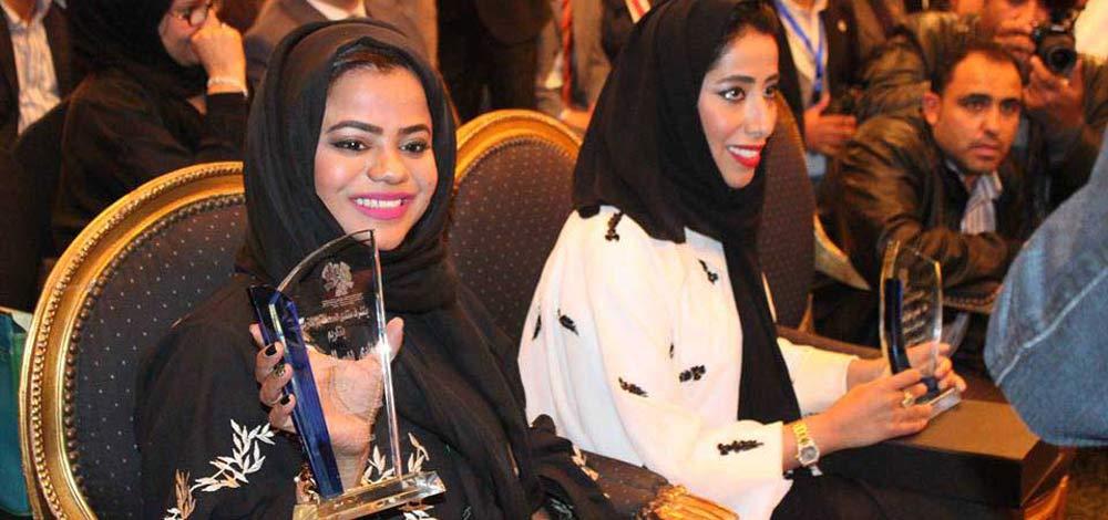 خلال حفل توزيع جوائز «الصحافة الإلكترونية» في القاهرة.  الإمارات اليوم