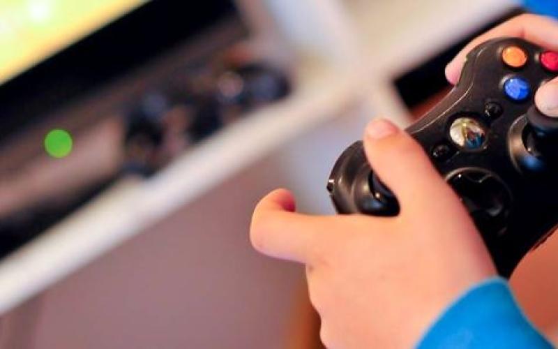 قراصنة يقطعون الإنترنت عن مستخدمي «إكس بوكس» و«بلاي ستيشن»