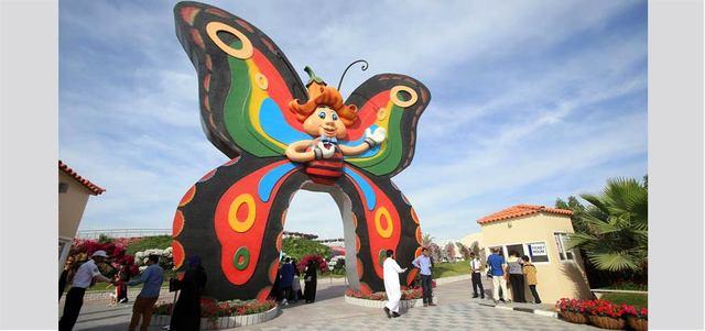 الحديقة تضم 15 ألف فراشة، من بينها 26 نوعاً من الفراشات الفريدة، إضافة إلى 120 نوعاً من الورود والنباتات الطبيعية.  تصوير: باتريك كاستيلو