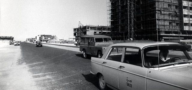 نتيجة بحث الصور عن سيارة تسير في شوارع البحرين زمان