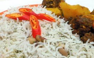 الصورة: مطبخ «أم شما» : أرز اللوبيا بالشبت مع صينية اللحم بالفرن