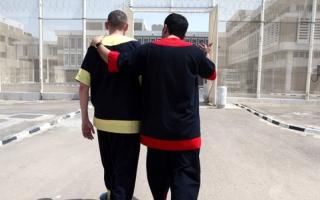 الصورة: «دبي الإسلامي» ومركز عبيد الحلو يتكفلان بمديونية 5 سجناء