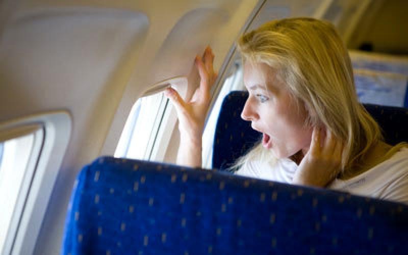 بالفيديو.. لحظات مرعبة في طائرة ركاب!